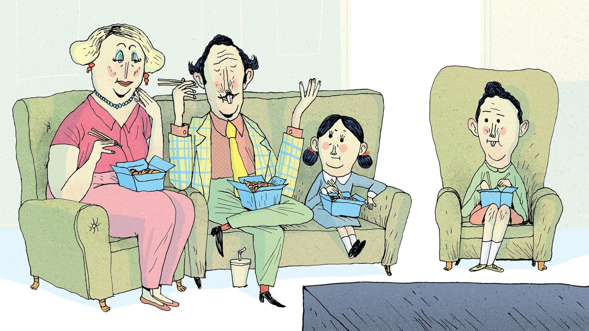 Matilda  äter middag framför TV:n tillsammans med sin familj. Bild: Erik Svetoft