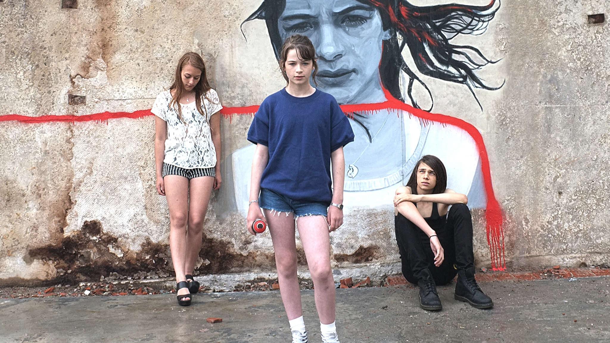 Mia, Mirjam och Karl i Det borde finnas regler i regi av Linda-Maria Birbeck.  Foto: BUFF