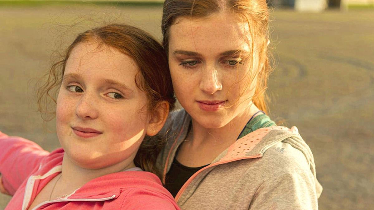 """Rebecka Josephson och Amy Deasismont i filmen """"Min lilla syster"""". Foto: Ola Kjelbye/Scanbox"""
