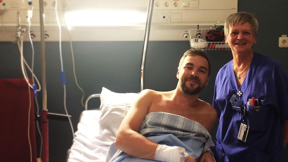 Olof gör redo för sitt livs första donation av stamceller. Kanske räddar han livet på ett barn.