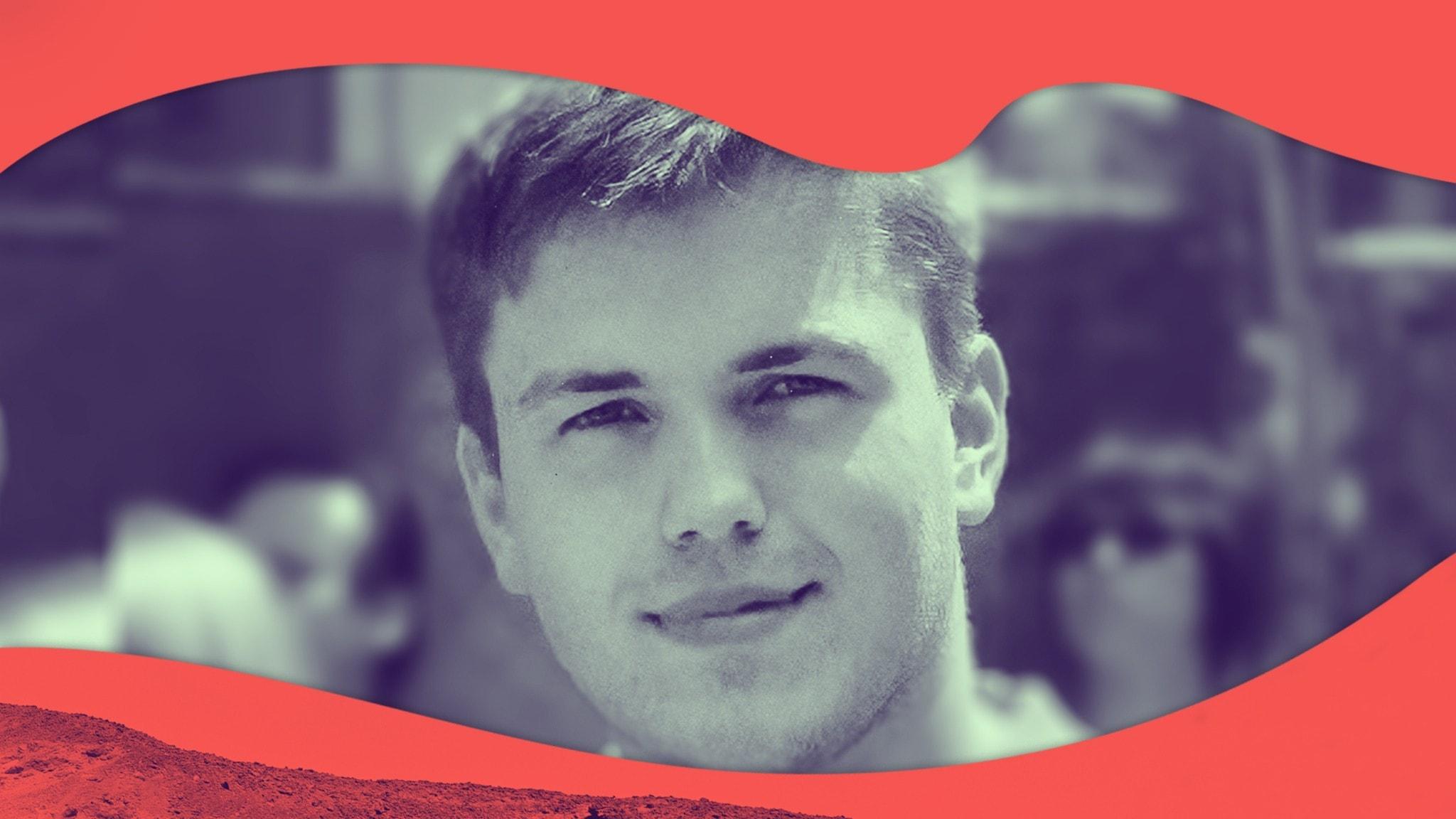 Porträttbild på Anders, han ler in i kameran