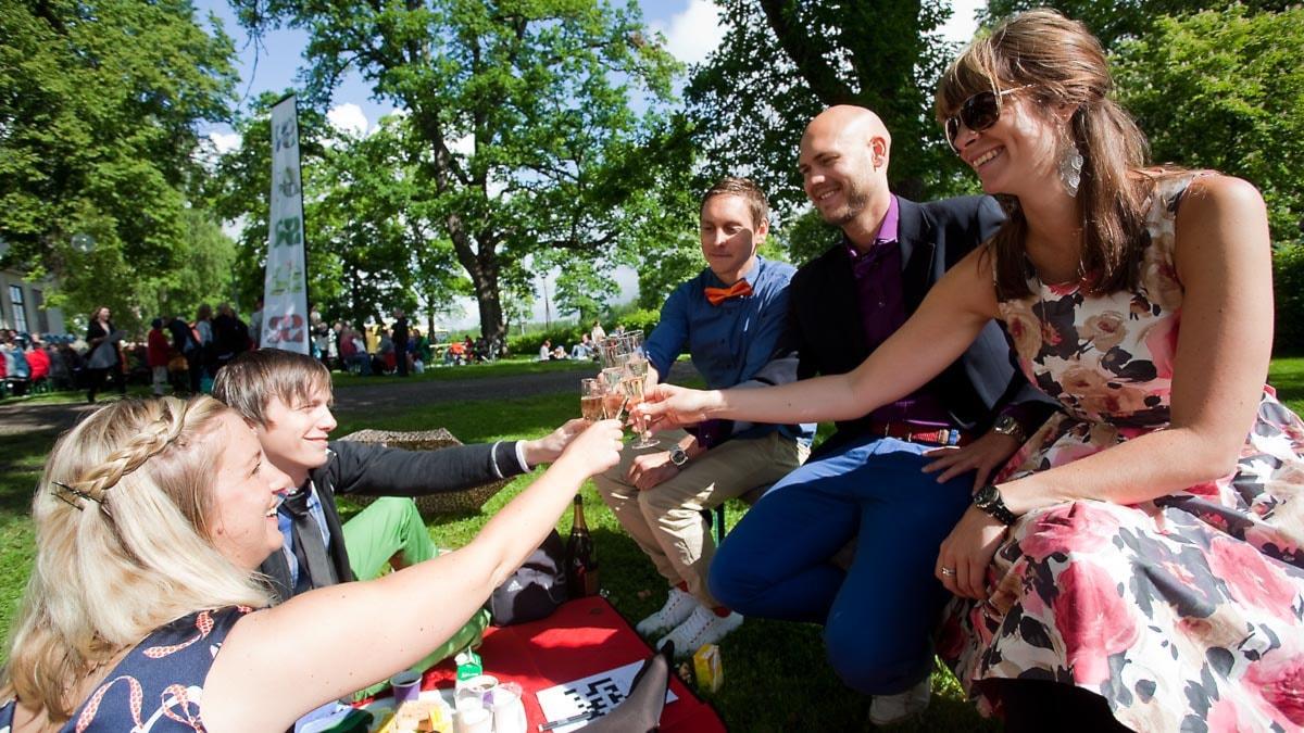 Fem ockelbobor skålar. Foto: Johan Ljungström/Sveriges Radio