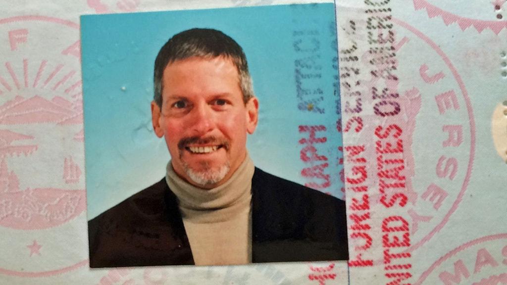 En av få saker Michael Boatwright har med sig när han hittas är ett pass.