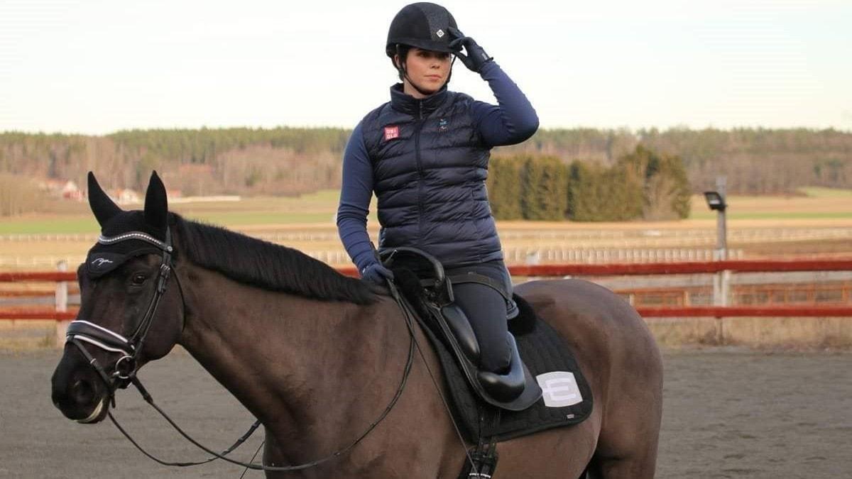 På hästryggen mot alla odds - spela