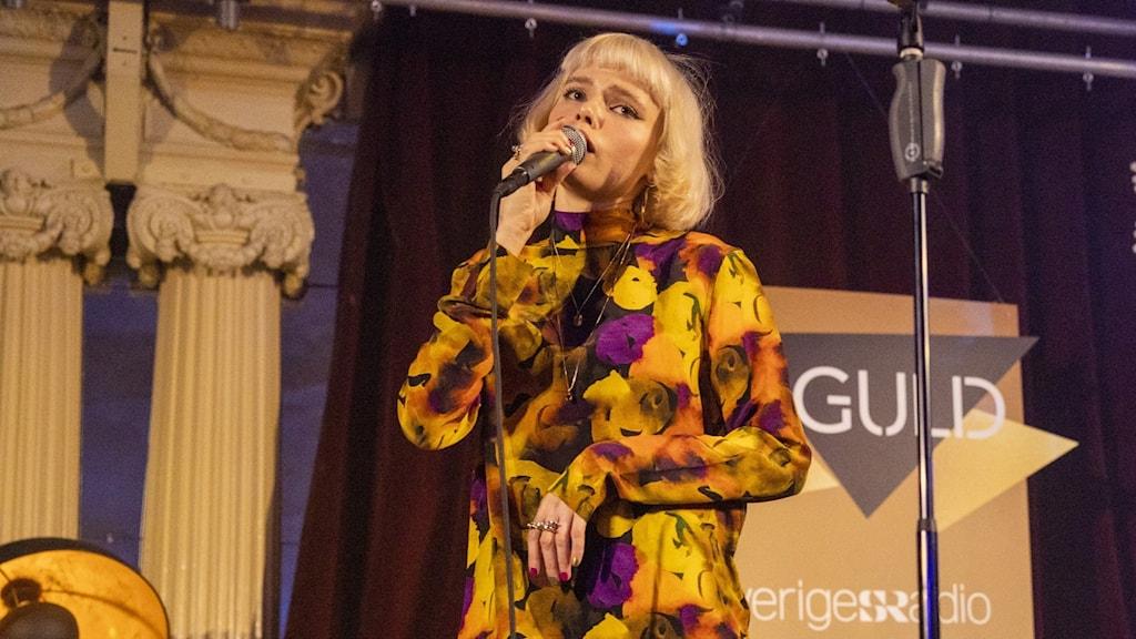Foto från P3 Guld 2020 med artisten Winona Oak.