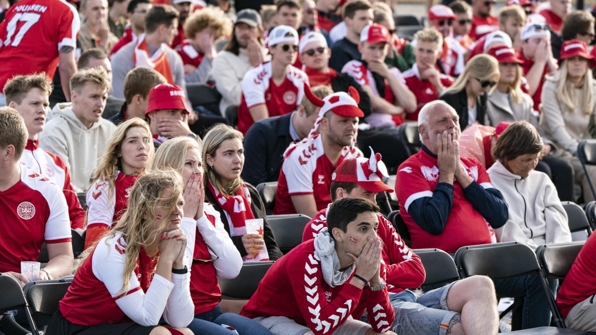 Fotbollsfansen på plats i UEFA Festival Copenhagen Football Village på Ofelia Plats i Köpenhamn.