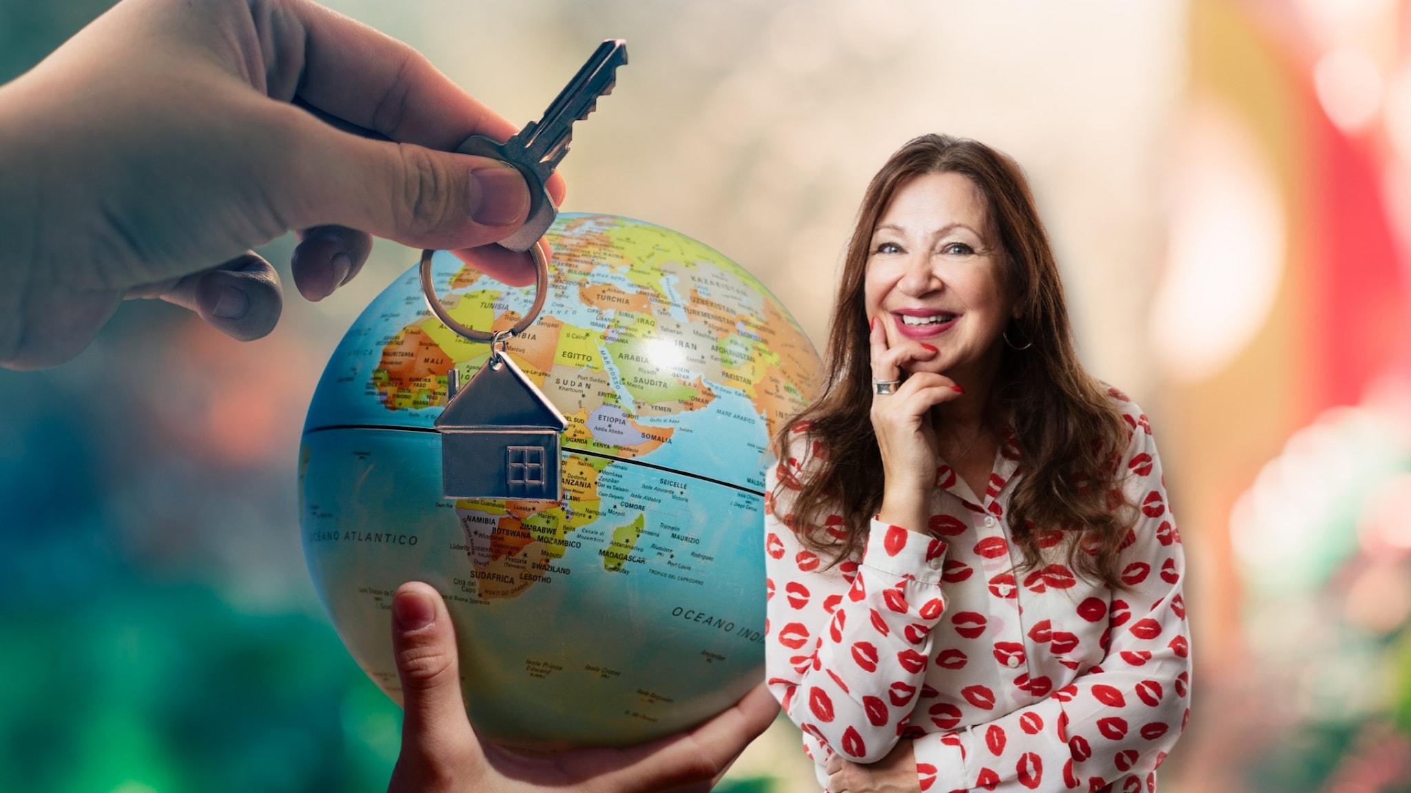Programledaren Soili står bredvid en jordglob som vilar på en hand. En annan hand håller upp en nyckelknippa med ett litet hus på.