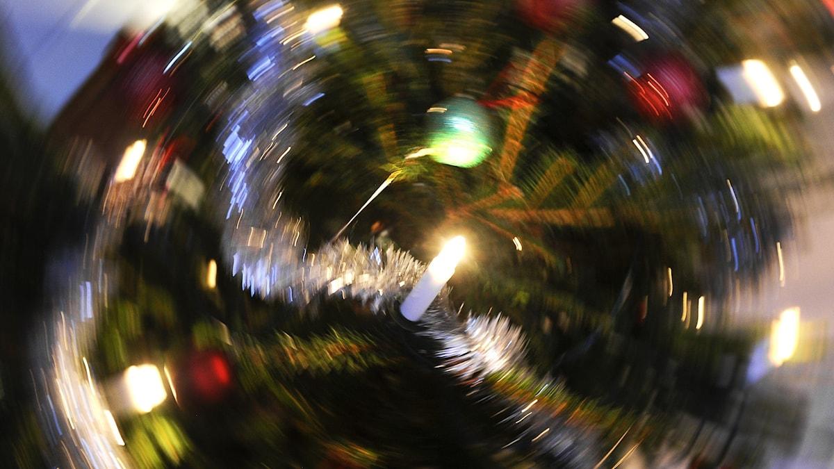 En snurrande julgran