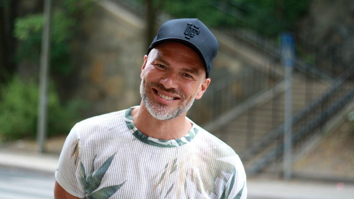 Andreas Lundstedt är programledare ikväll.