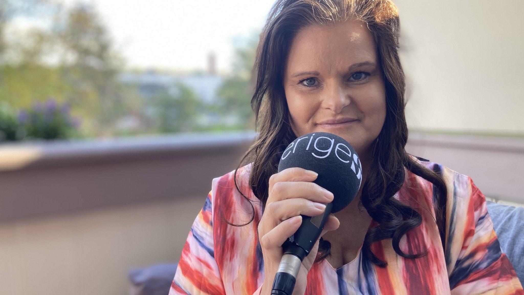Cissi Furlong om depressionen, glädjen och vikariatet som sångerska i Martinez