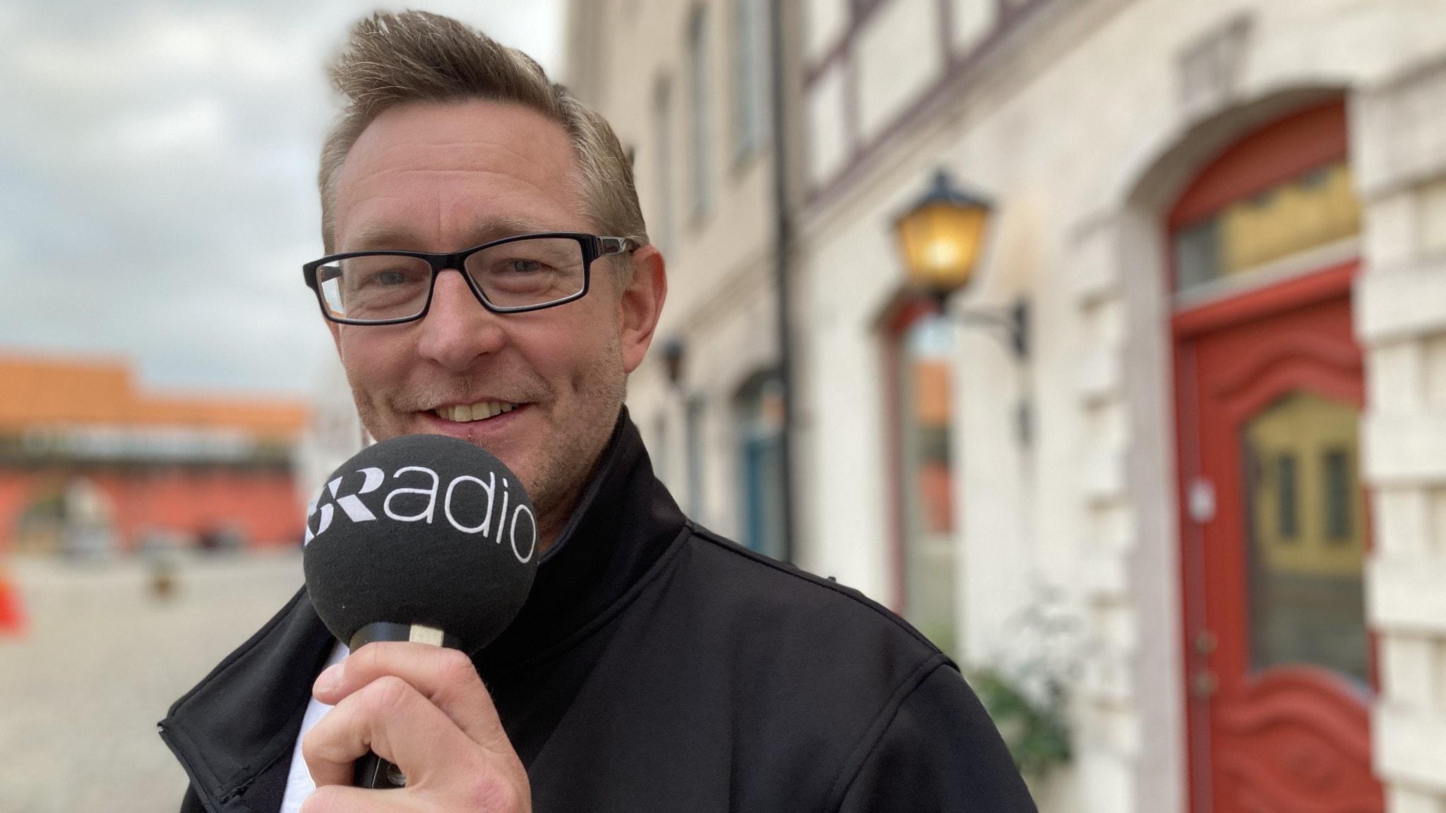 Fredrik Grönvall, Voize hemma på en kullerstensgata i Jakriborg, Hjärup.