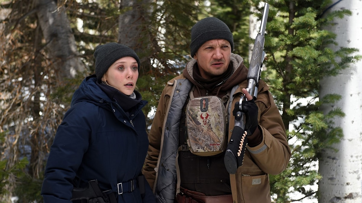 Elizabeth Olsen och Jeremy Renner i Wind River. Foto: Scanbox Entertainment.