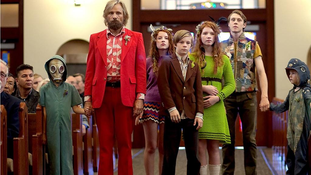 Viggo Mortensen som annorlunda flerbarnspappa i Captain Fantastic. Foto: Scanbox Entertainment.
