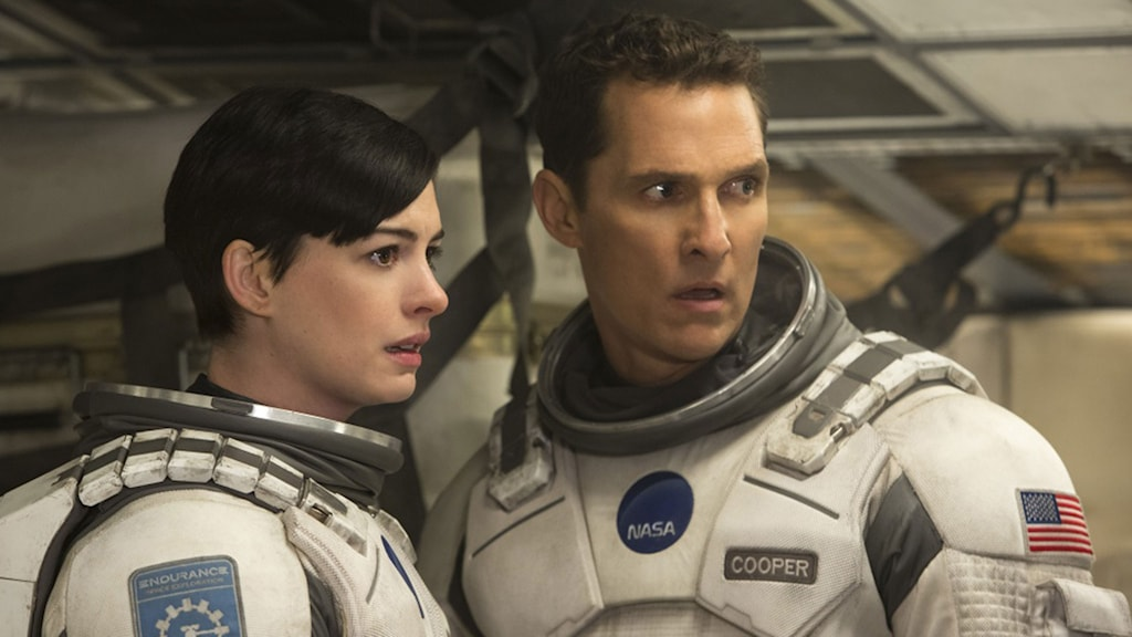 Anne Hathaway och Matthew McConaughey i Interstellar. Foto: Warner Brothers.