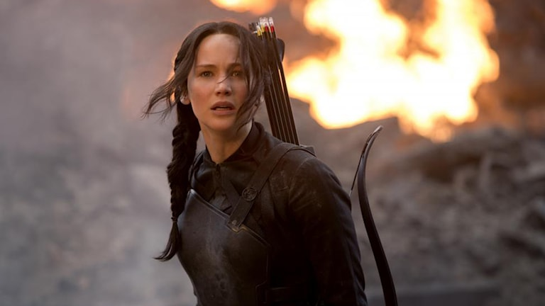Jennifer Lawrence som Katniss i The Mockingjay Part 1. Foto: Murray Close.