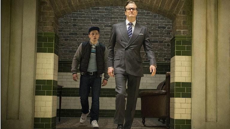 Taron Egerton och Colin Firth i Kingsman: The Secret Service. Foto: Fox Movies.