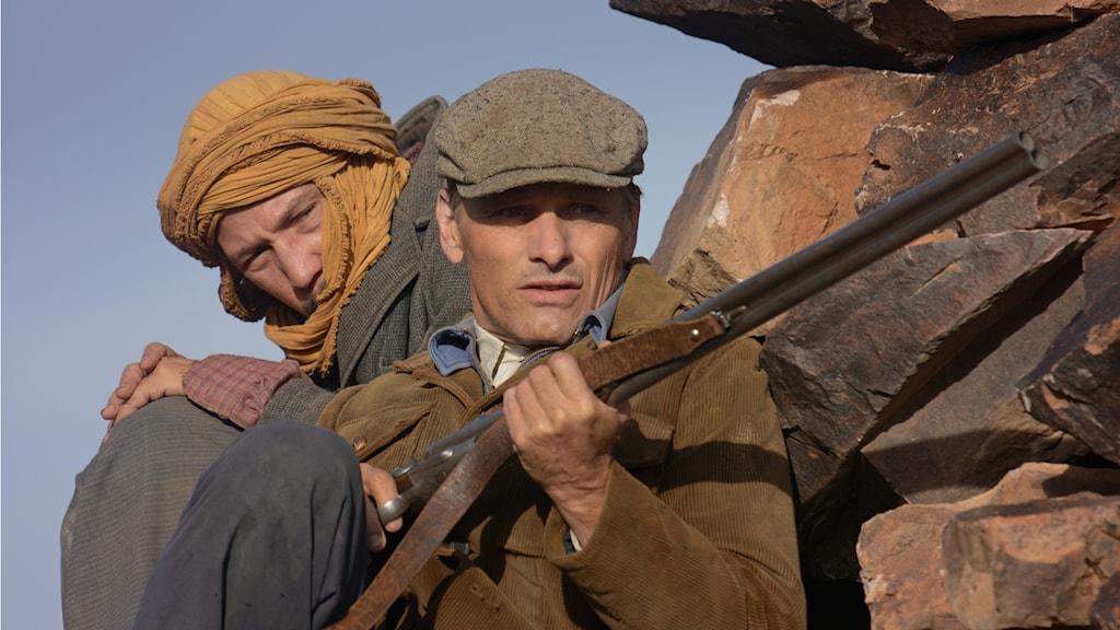Reda Kateb och Viggo Mortensen i Far from men. Foto: Njuta films.