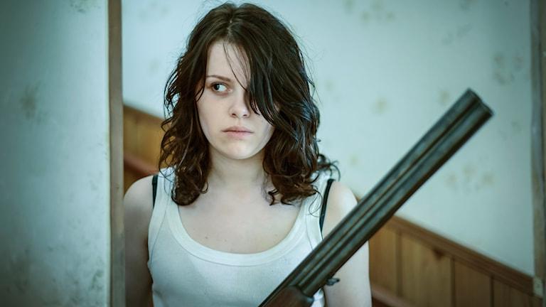Fatime Azemi som Jennifer i Flocken. Foto: Dan Jårma.