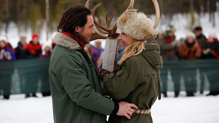Ola Rapace och Martina Haag i Glada Hälsningar från Missångerträsk. Foto: Johan Paulin.
