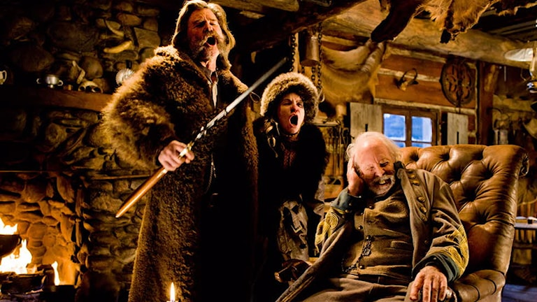 Kurt Russel, Jennifer Jason Leigh och Bruce Dern i The Hateful Eight. Foto: Scanbox Entertainment.