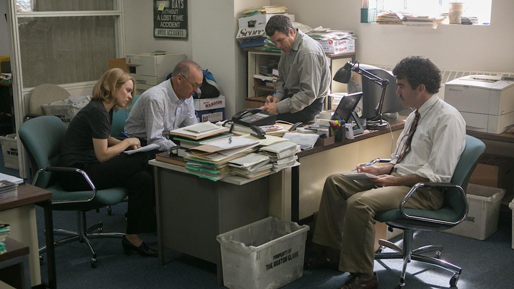 Rachel McAdams, Michael Keaton, Mark Ruffalo och Brian d'Arcy James i Spotlight. Foto: UIP.