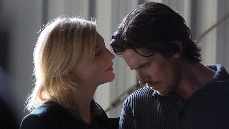 Cate bLanchett och Christian Bale i Knight of cups. Foto: SF.
