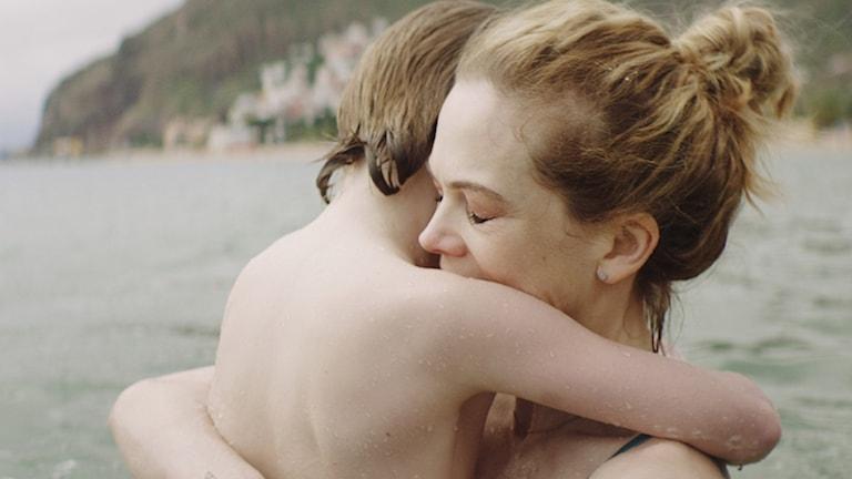 """Ane Dahl Torp gör mamman och Troy Lundkvist gör sonen i """"Charter""""."""