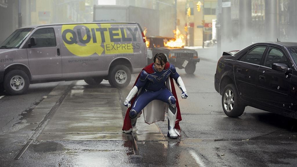 Brandon försöker gå i föräldrarnas fotspår och bli superhjälte.