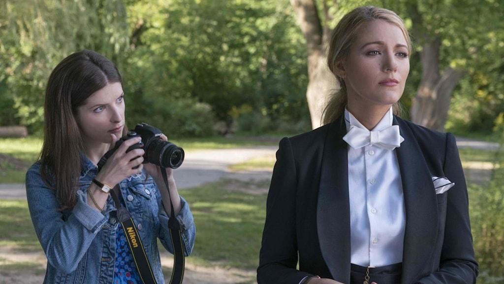 Anna Kendrick och Blake Lively i A simple favor. Foto: Nordisk Film.