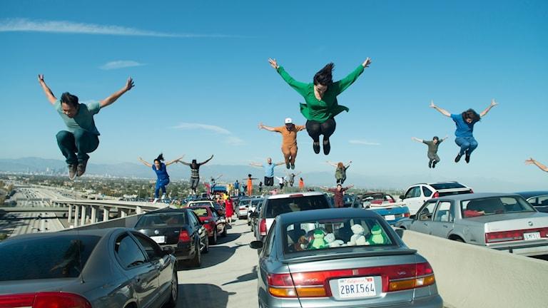 Ur öppningsscenen i La La Land. Foto: Nordisk Film.