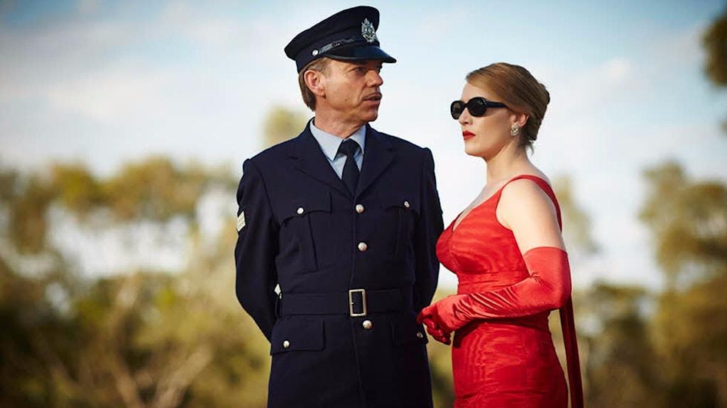 Hugo Weaving och Kate Winslet i The Dressmaker. Foto: Nonstop Entertainment.
