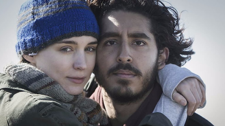 Rooney Mara och Dev Patel i Lion. Foto: Scanbox Entertainment.