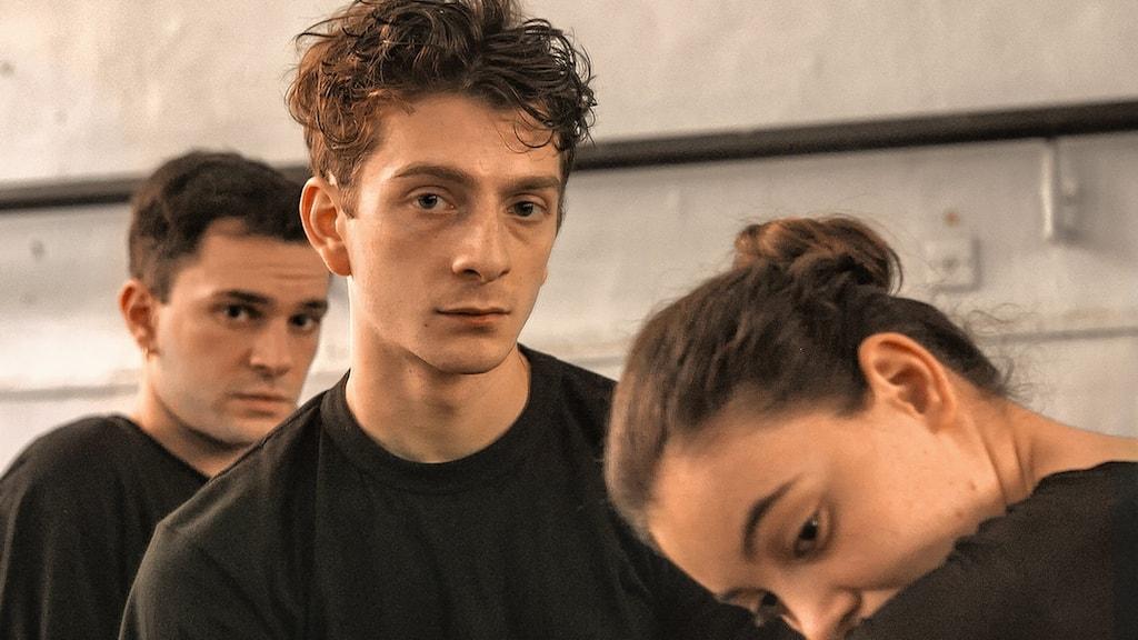 "Bachi Valishvili, Levan Gelbakhiani och Ana Javakishvili gör fina roller i ""And then we danced""."