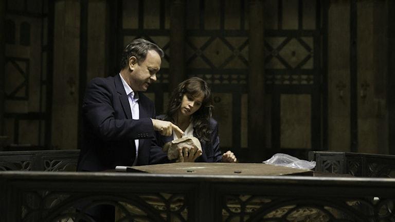 Tom Hanks och Felicity Jones i Inferno. Foto: UIP.