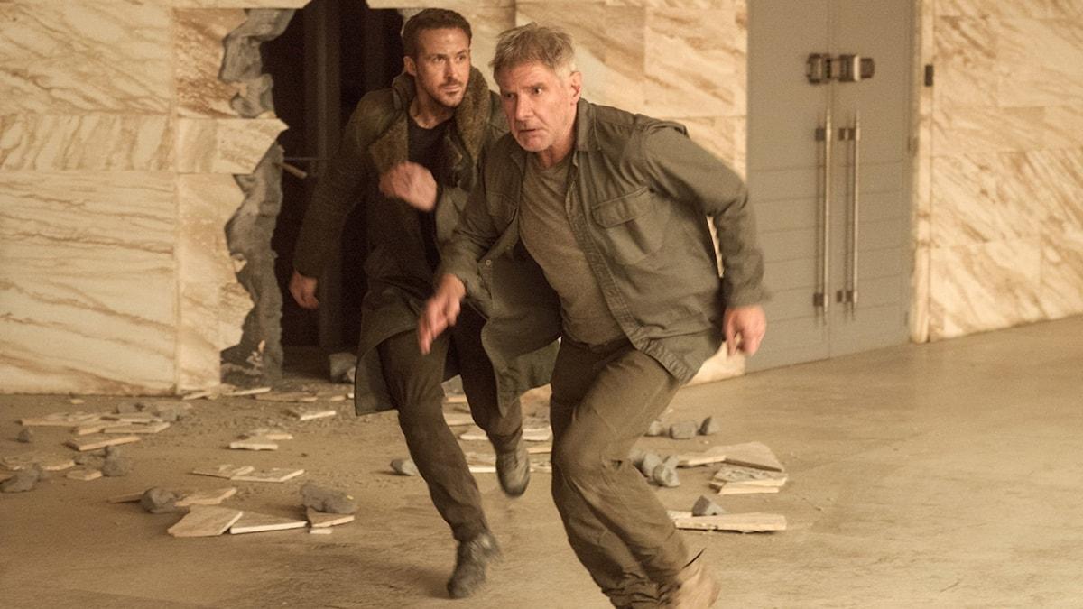 Ryan Gosling och Harrison Ford i Blade Runner 2049. Foto: UIP.