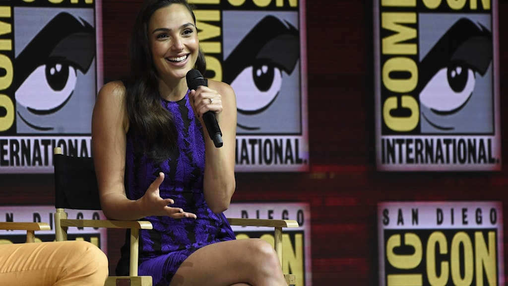 Gal Gadot gör Wonder Woman.