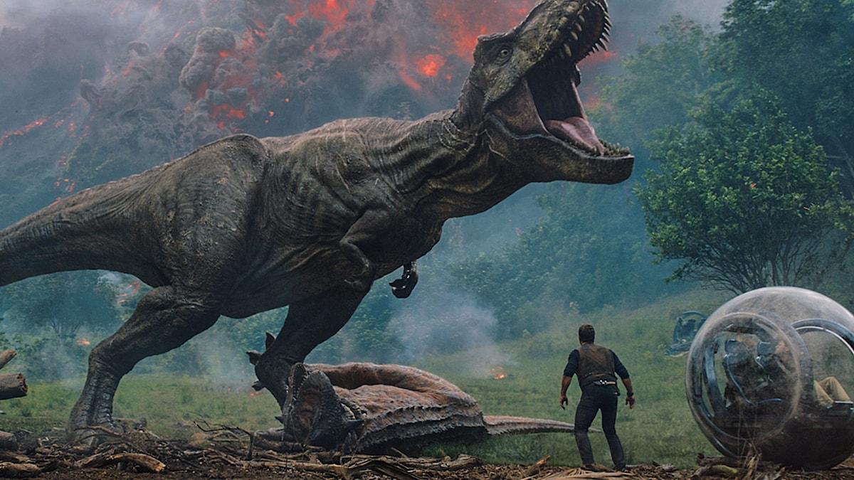 Vulkanutbrott hotar dinosaurerna i Jurrasic World: Fallen kingdom. Foto: UIP.