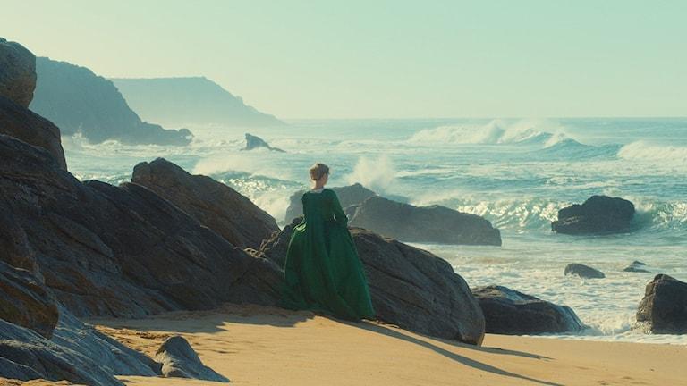 """Adèle Haenel vid stranden i """"Porträtt av en kvinna i brand""""."""