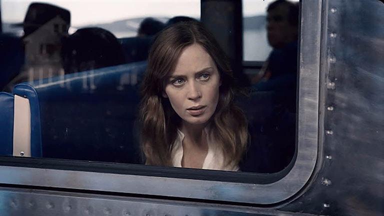 Emily Blunt i Kvinnan på tåget. Foto: Nordisk Film.