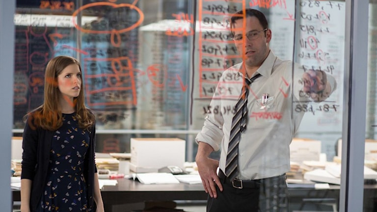 Anna Kendrick och Ben Affleck i The Accountant. Foto: Fox Movies.