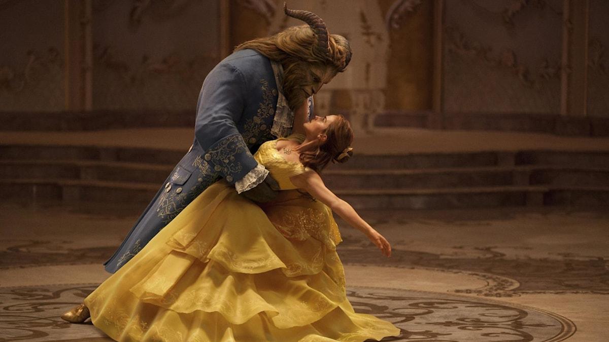 Dan Stevens och Emma Watson i Skönheten och Odjuret. Foto: Disney.