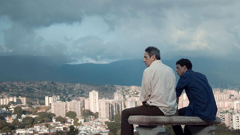 Alfredo Castro och Luis Silva i Stulna blickar. Foto: Nonstop Entertainment.