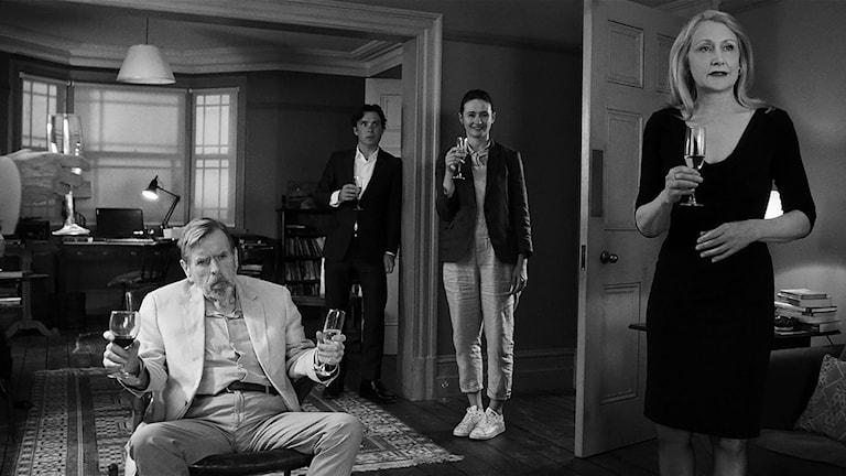 Ur svartvita filmen The Party. Foto: Noble Entertainment.