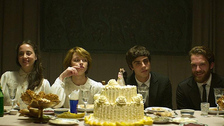 Bröllopet innan dramatiken tar fart i Gisslan. Foto: Lucky Dogs.