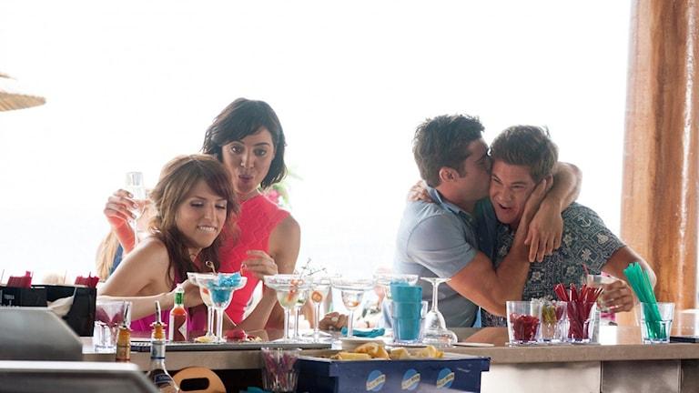 Anna Kendrick, Aubrey Plaza, Zac Efron and Adam Devine i Mike and Dave need wedding dates. Foto: Fox Movies.