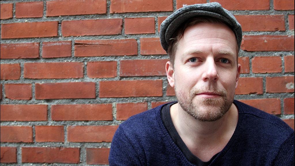 Andreas Eldeen musikalartist ligger bakom video mot rasism.