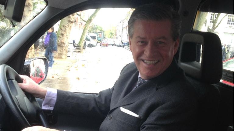 """Derek O`Reilly har kört taxi i 24 år och har inget emot att liknas vid en """"nobelpristagarråtta"""". Foto: Lena Nordlund/Sveriges Radio"""