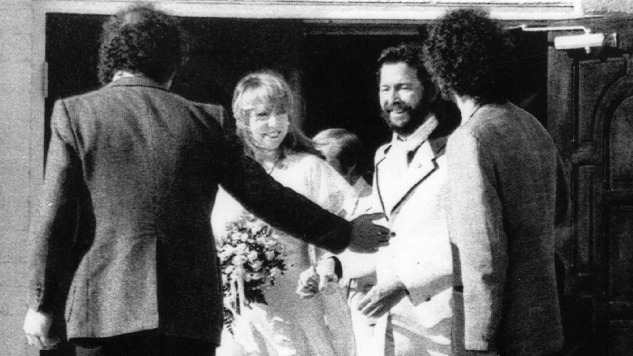 Eric Clapton gifter sig med Pattie Boyd.