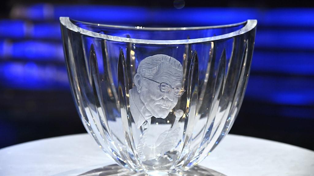 Jerringpriset, en glasskål med Sven Jerring ingraverad.