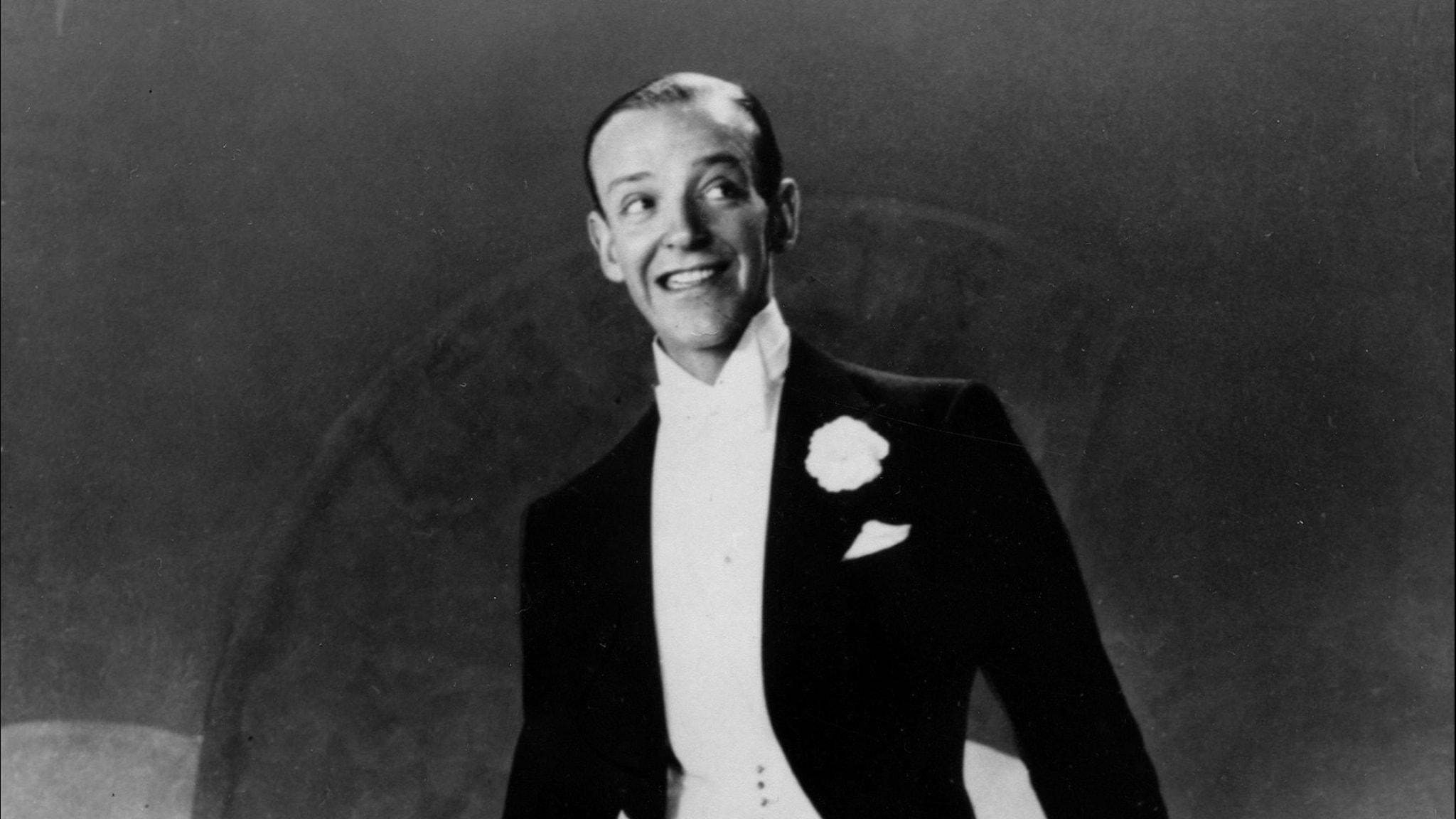 Fred Astaire på dansgolvet i högtidskläder